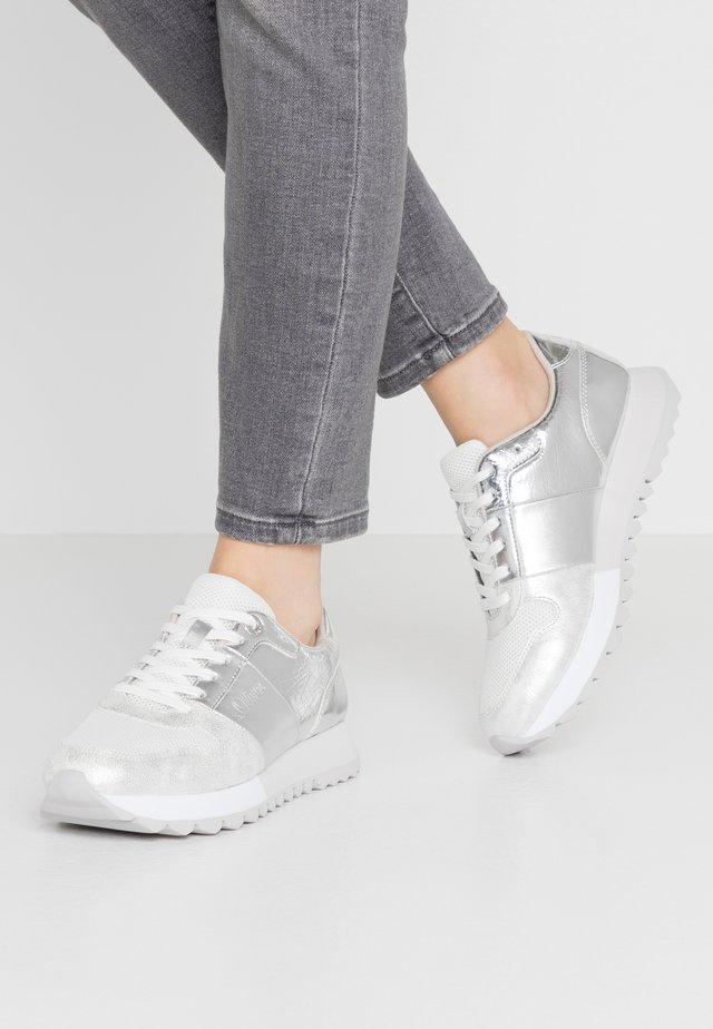 Sneakers laag - silver