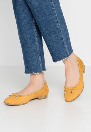 5-5-22112-24 - Ballet pumps - saffron