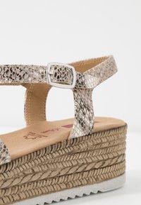 s.Oliver - Platform sandals - grey/beige - 2