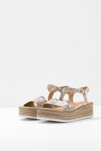 s.Oliver - Platform sandals - grey/beige - 4