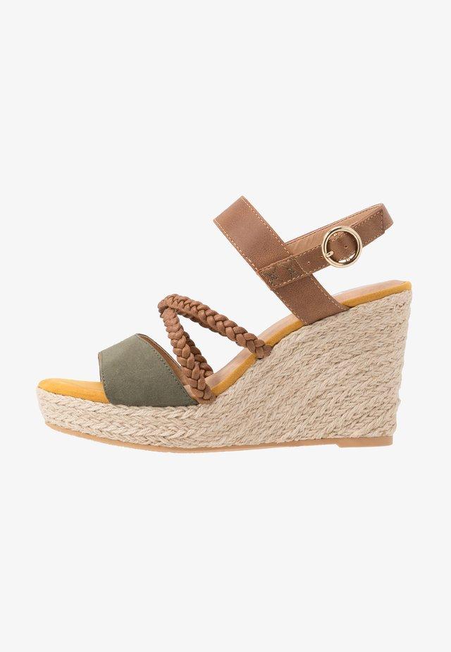 High heeled sandals - khaki