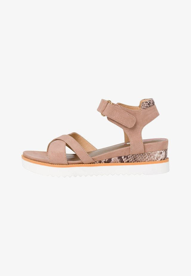 Sandaler m/ kilehæl - taupe