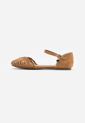 Ankle strap ballet pumps - nut