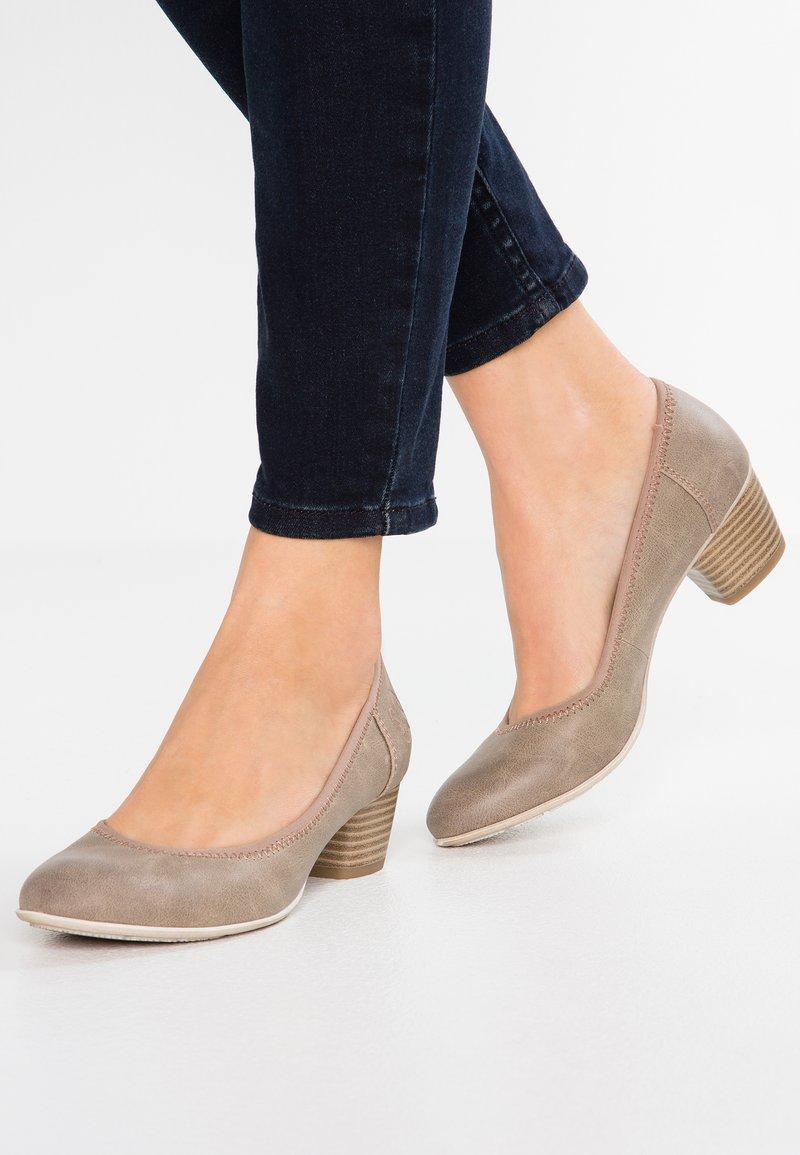 s.Oliver - Classic heels - pepper