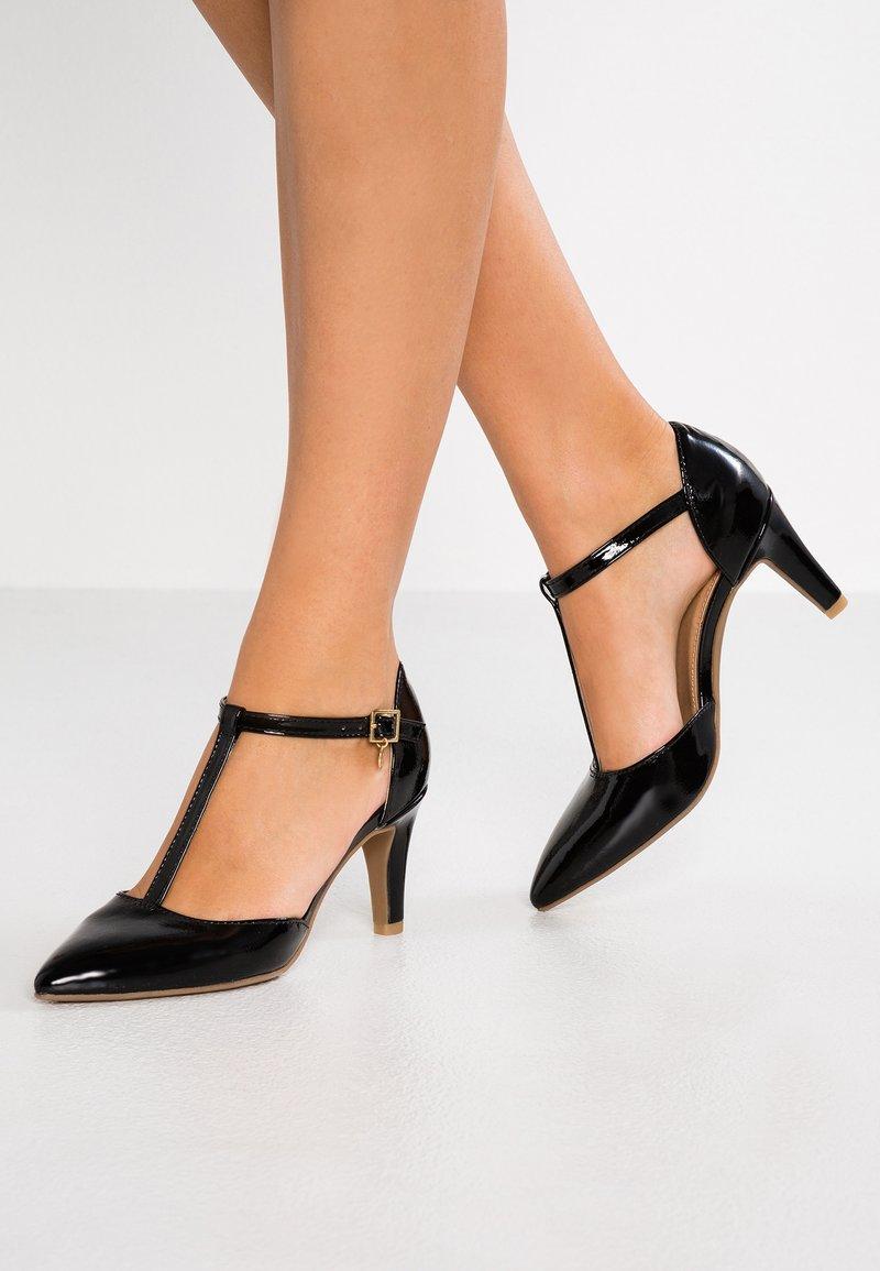 s.Oliver - Classic heels - black