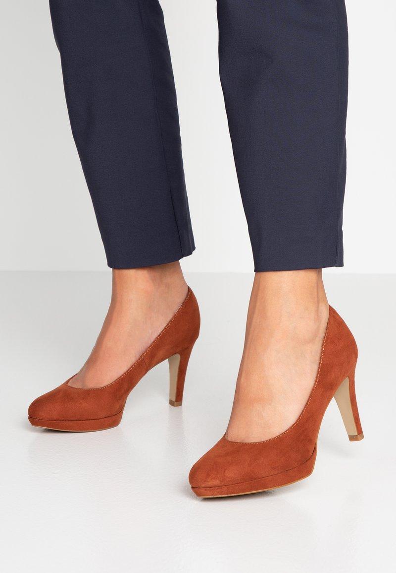 s.Oliver - High heels - rust