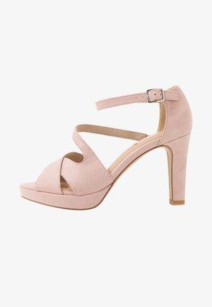 Sandały na obcasie - rose