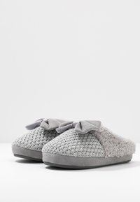 s.Oliver - Slippers - grey - 4