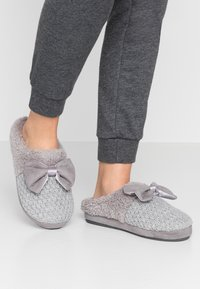 s.Oliver - Slippers - grey - 0