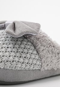 s.Oliver - Slippers - grey - 2