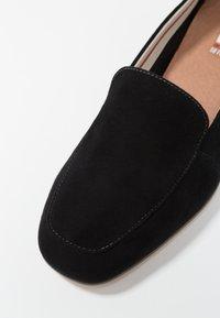 s.Oliver - Nazouvací boty - black - 2