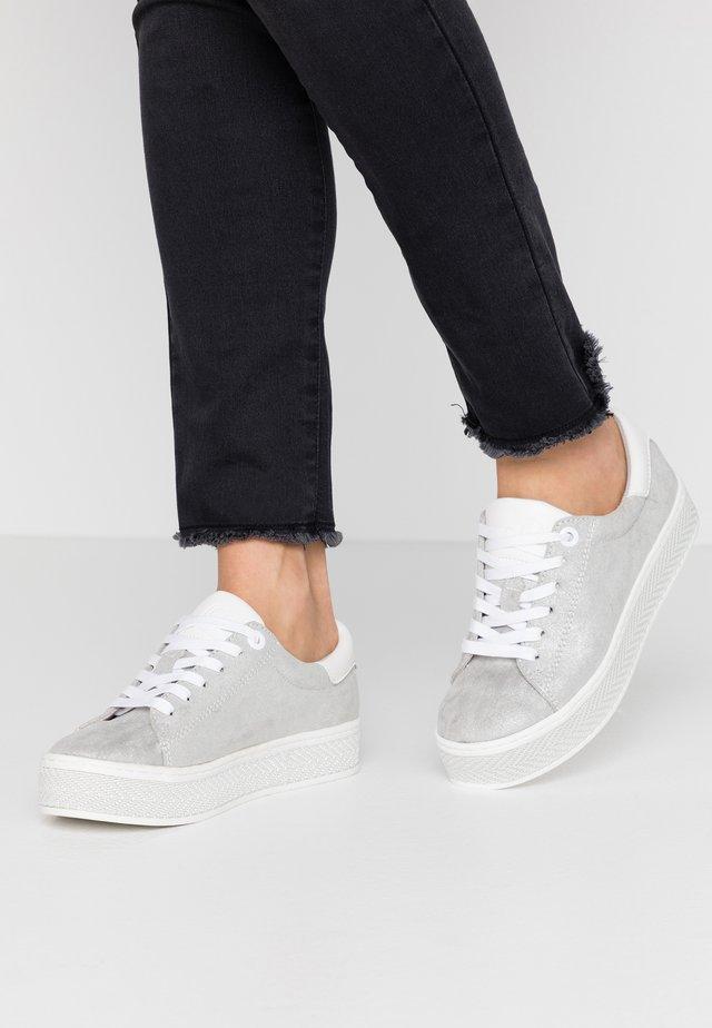 Sneakers laag - light grey metallic