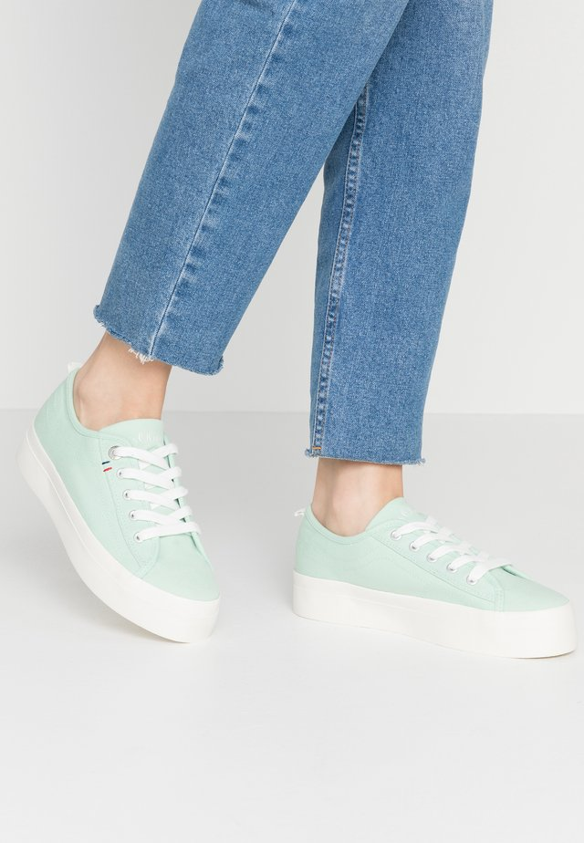 Sneakers laag - pale green