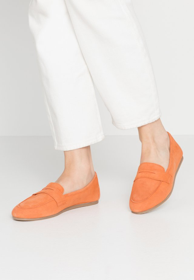 5-5-24203-24 - Mocassins - orange