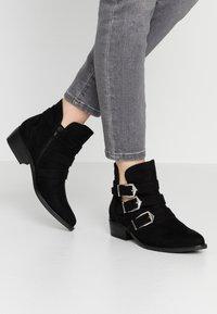 s.Oliver - Boots à talons - black - 0