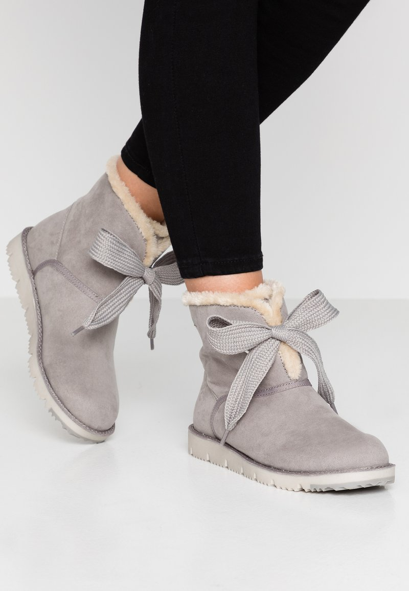 s.Oliver - Classic ankle boots - grey