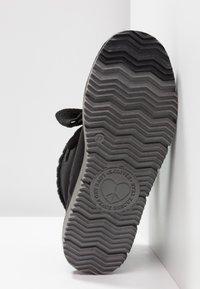 s.Oliver - Kotníkové boty - black - 6