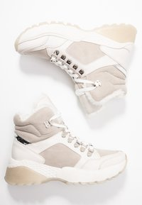 s.Oliver - Ankle boots - light grey - 3