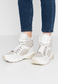 s.Oliver - Ankle boots - light grey - 0