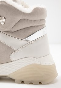 s.Oliver - Ankle boots - light grey - 2