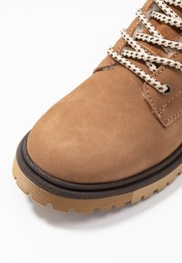 s.Oliver - BOOTS - Lace-up ankle boots - camel - 2