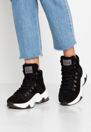 BOOTS - Ankelstøvler - black