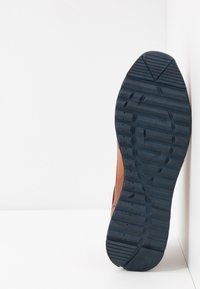 s.Oliver - Trainers - cognac - 4