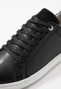 s.Oliver - Sneakers - black - 5