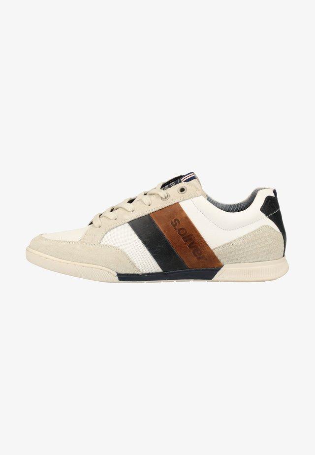 Sneakers - white 100