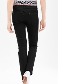 s.Oliver BLACK LABEL - Trousers - secret black - 2