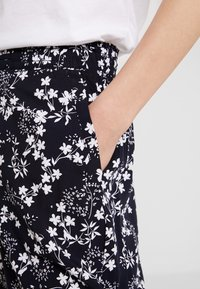 s.Oliver - Trousers - navy - 4