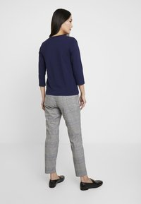 s.Oliver - Chinos - silver grey - 2