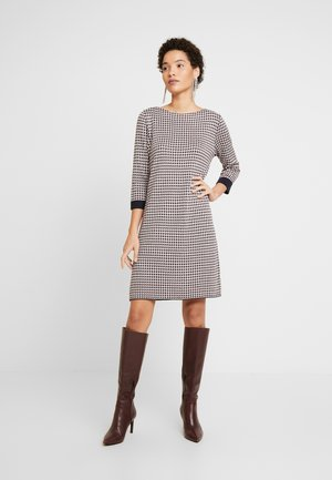 KURZ - Jumper dress - creme check