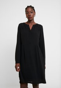 s.Oliver - ECOM ONLY DRESS - Robe d'été - black - 0