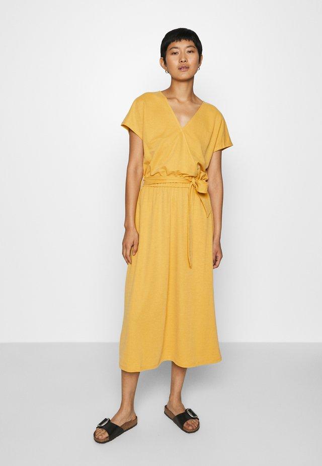 Sukienka letnia - goldgelb