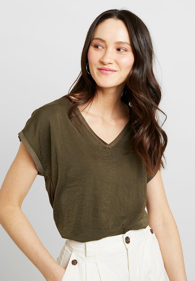 s.Oliver - Basic T-shirt - khaki