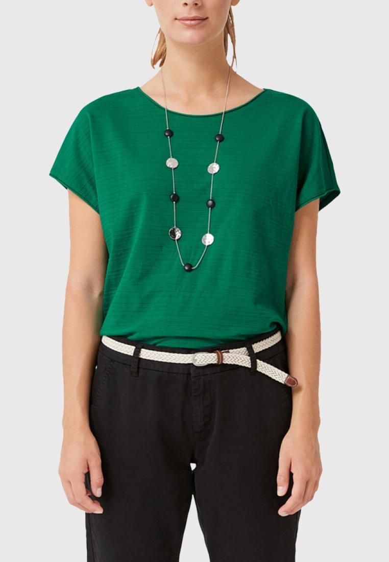 s.Oliver MIT STRUKTURMUSTER - T-shirt print - green
