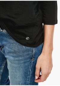 s.Oliver - MATERIALMIX-SHIRT MIT SATIN-FRONT - Blouse - black - 4