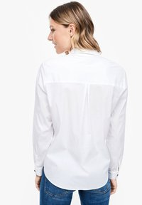 s.Oliver - MIT KNOPF DETAIL - Button-down blouse - white - 2