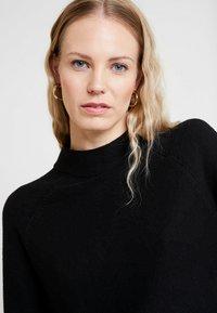 s.Oliver - LANGARM - Stickad tröja - black - 3