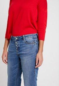 s.Oliver - SMART - Straight leg jeans - middle blue denim - 3