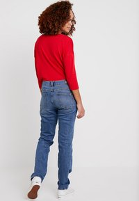 s.Oliver - SMART - Straight leg jeans - middle blue denim - 2