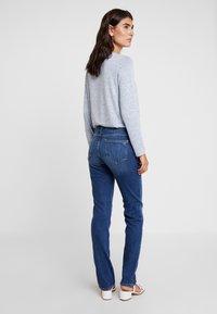 s.Oliver - SHAPE - Slim fit jeans - blue denim - 2