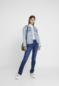 s.Oliver - SMART - Jeans straight leg - blue denim stretch - 1