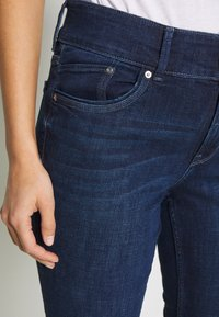 s.Oliver - Slim fit jeans - india ink - 5