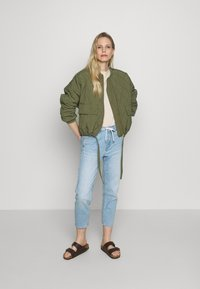 s.Oliver - Jeans Relaxed Fit - blue denim - 1
