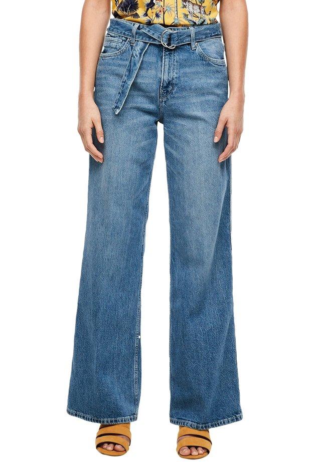 REGULAR FIT: WIDE LEG - Jeans Bootcut - blue