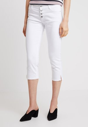 SHAPE CAPRI - Szorty jeansowe - white denim