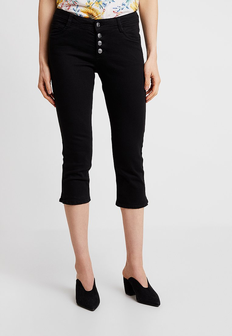 s.Oliver - SHAPE CAPRI - Denim shorts - black denim