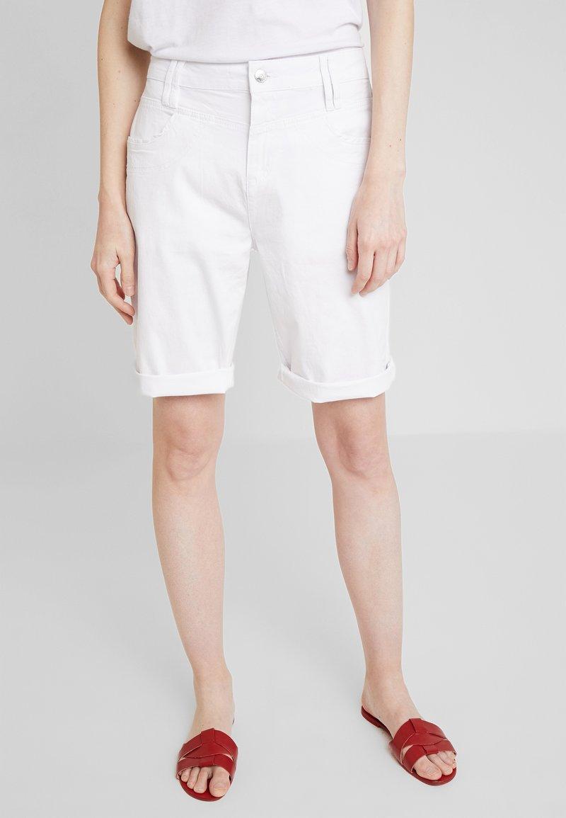 s.Oliver - KURZ - Shorts - white
